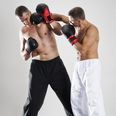 Cardio et musculation avec la boxe pieds poings