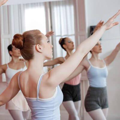 La grâce de la danseuse classique