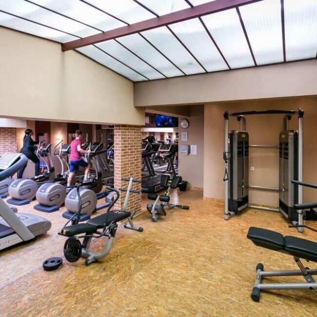 salle de sport saint jacques paris 14 les cercles de la forme. Black Bedroom Furniture Sets. Home Design Ideas