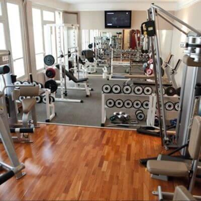 salle de sport saint lazare paris 9 les cercles de la forme. Black Bedroom Furniture Sets. Home Design Ideas